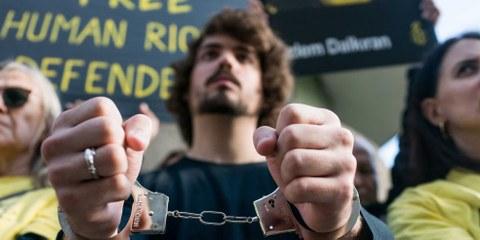 Amnesty fordert EU-Aussenbeauftragte auf, sich für Freilassung der Menschenrechtsaktivisten ...