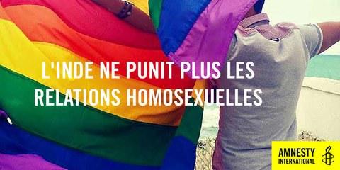 La Cour suprême dépénalise les relations homosexuelles