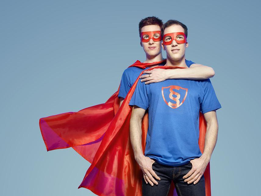 SuperheldInnen-Umhänge und -Masken